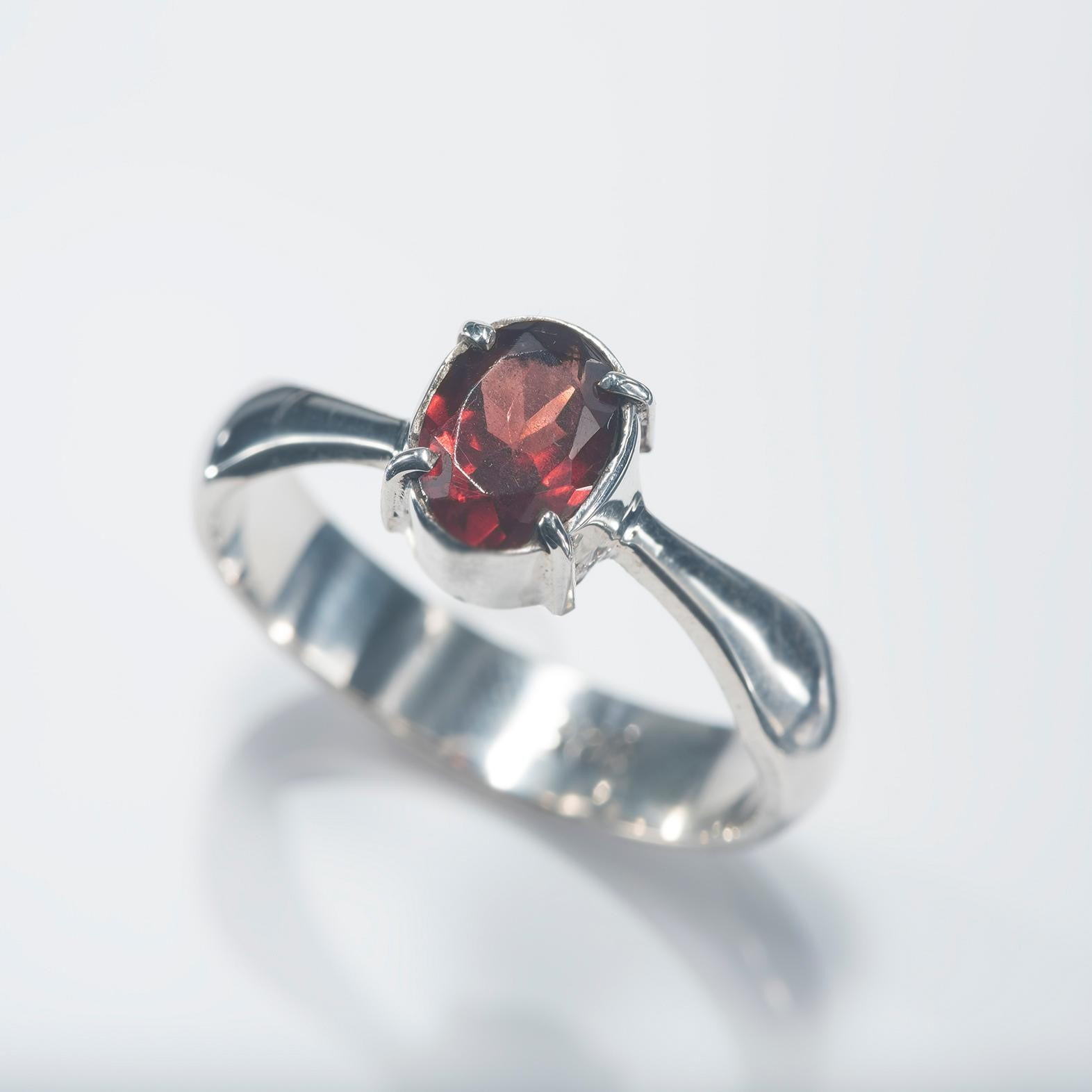 Solo Facet Red Garnet Band Ring