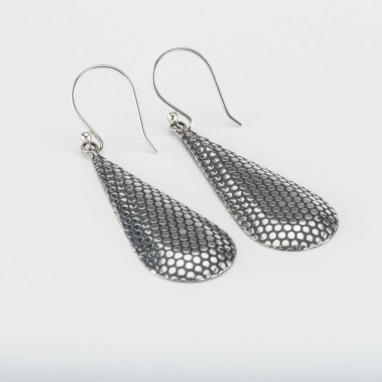 Single Long drop Mesh Pattern, Plain Silver Earring