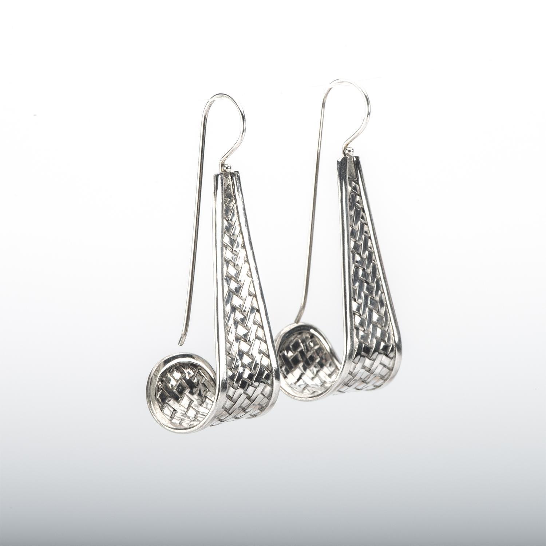 Curved Woven Pattern Silver Fishhook Earring